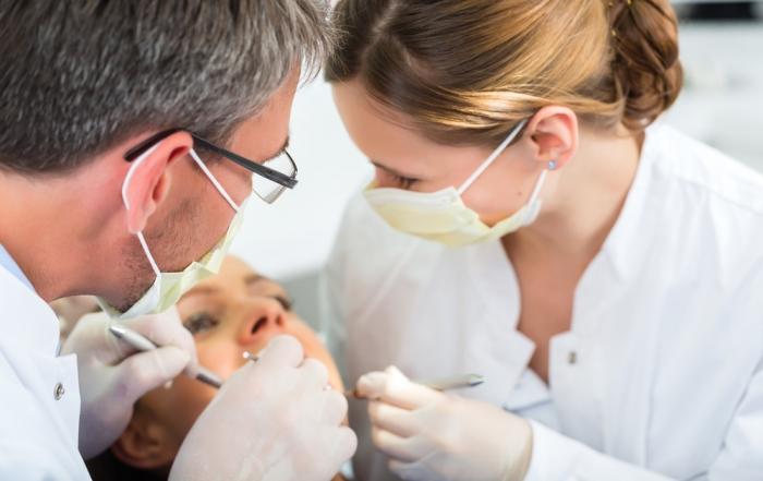 הרמת סינוס פתוחה במרפאת שיניים של ד